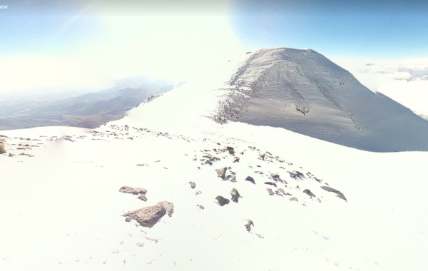 Mt. Elbrus, above the col – 3D view